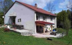 472 HAUT JURA : Maison ancienne isolée à vendre