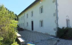 484 HAUT JURA : Maison avec 3 appartements à vendre