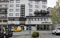 584 SAINT-CLAUDE : Grand ensemble immobilier (hôtel/restaurant)