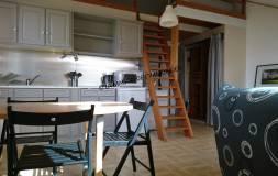 617 PREMANON : Studio avec mezzanine