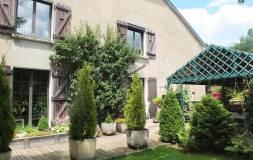 496 PROCHE LAMOURA : Maison ancienne avec terrain à vendre
